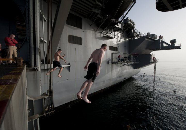 plunging-into-the-mediterranean-sea-from-the-uss-carl-vinson