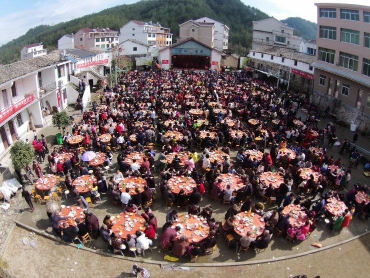 villagers-have-lunch-to-celebrate-the-spring-festival-in-taizhou-zhejiang-province-china-on-february-11-2016